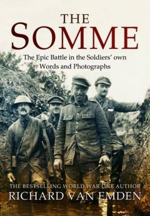 Portada del libro The Somme : the epic battle in the soldiers' own words and photographs