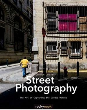 书籍封面 Street Photography: The Art of Capturing the Candid Moment