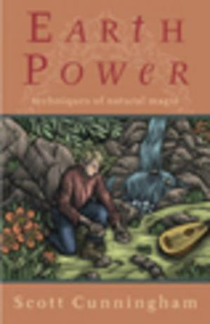 A capa do livro Earth Power: Techniques of Natural Magic (Llewellyn's Practical Magick)