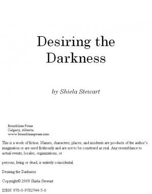 Couverture du livre Seducing Darkness