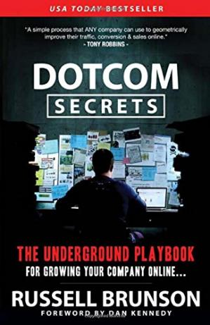 Buchdeckel DotCom Secrets: The Underground Playbook for Growing Your Company Online