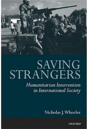 पुस्तक कवर Saving Strangers: Humanitarian Intervention in International Society