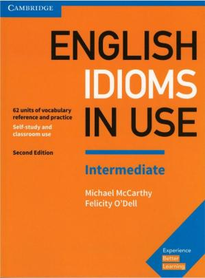 A capa do livro English Idioms in Use Intermediate Book with Answers