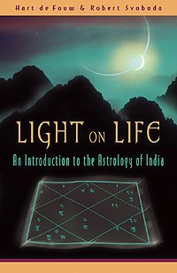Обкладинка книги Light on Life: An Introduction to the Astrology of India