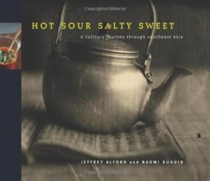 Copertina Hot Sour Salty Sweet: A Culinary Journey Through Southeast Asia