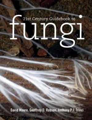 Book cover 21st Century Guidebook to Fungi with CD